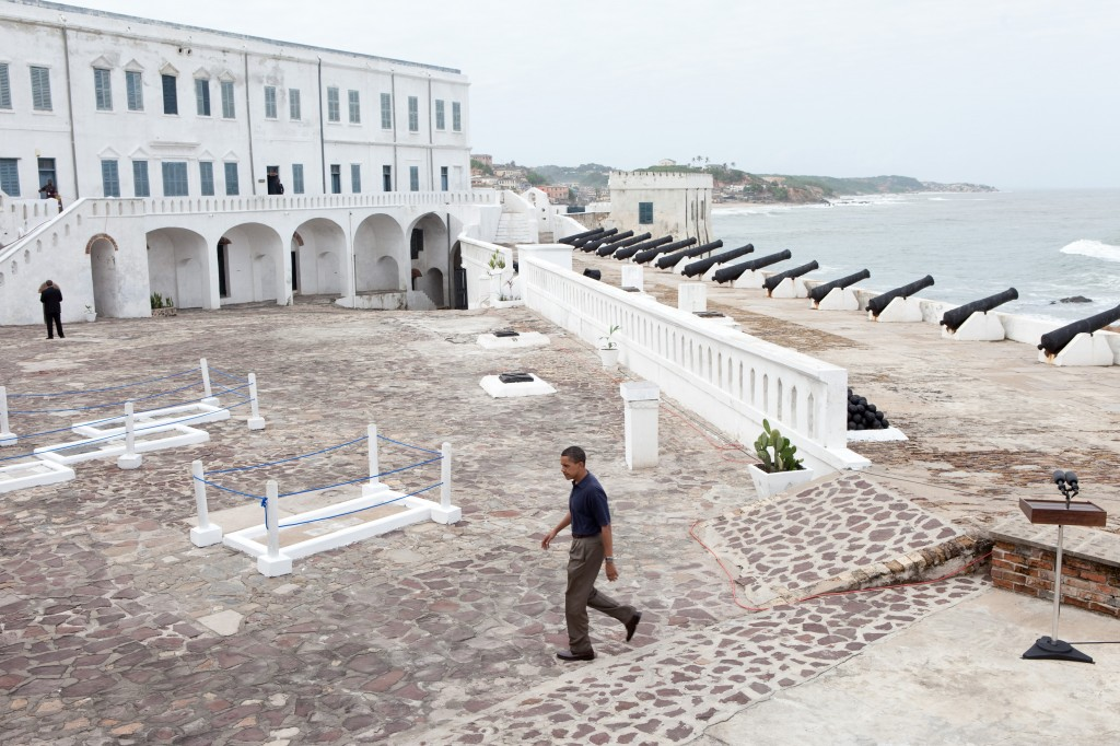 Barack_Obama_in_Cape_Coast_Castle